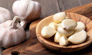 Nếu đang có phần thận và gan bị tổn thương; bạn nên hạn chế ăn tỏi.