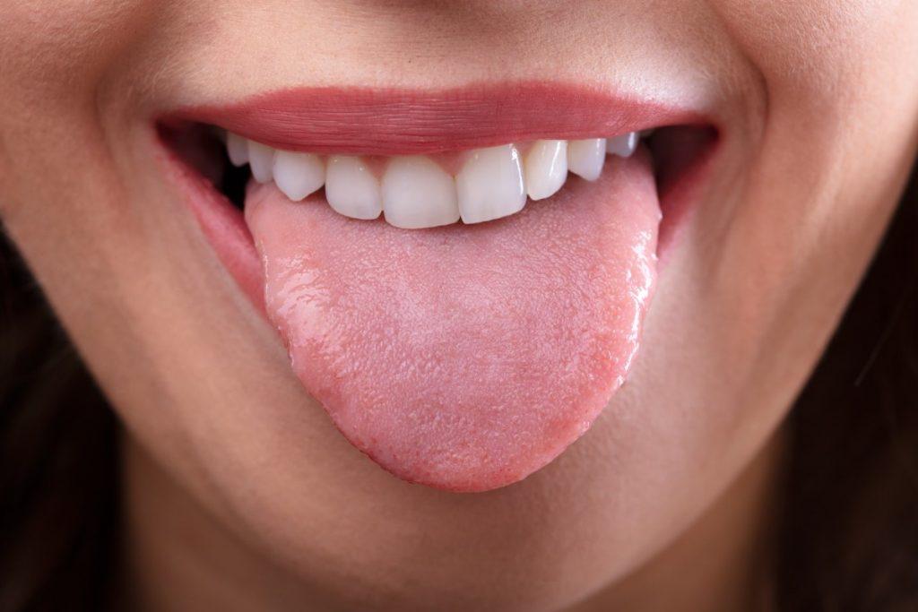 Bằng cách kiểm tra lưỡi mỗi ngày, bạn sẽ biết rõ hơn tình trạng sức khỏe