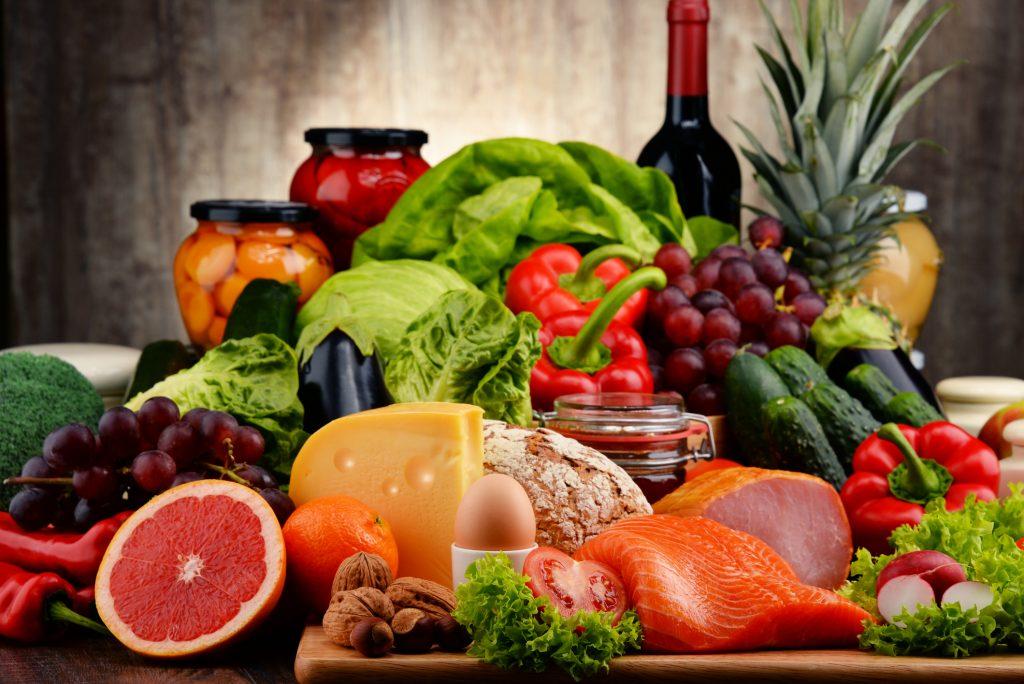 Bệnh nhân đột quỵ nên ăn gì và kiêng gì trong chế độ ăn hàng ngày