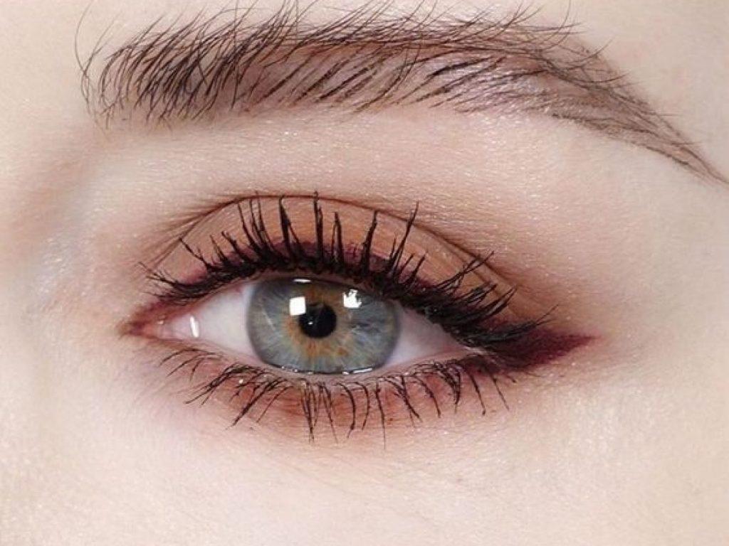 Điểm qua những thói quen gây ảnh hưởng trực tiếp đến mắt