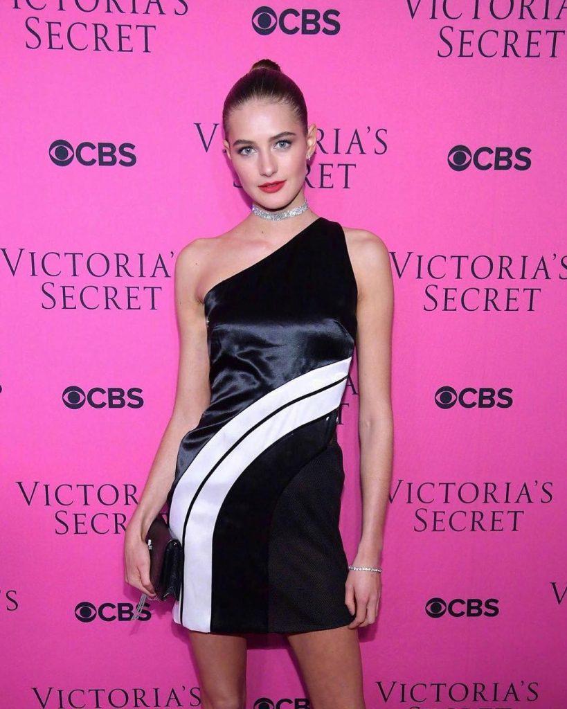Người mẫu Victoria's Secret Sanne Vloet – Bí kíp giữ gìn vóc dáng